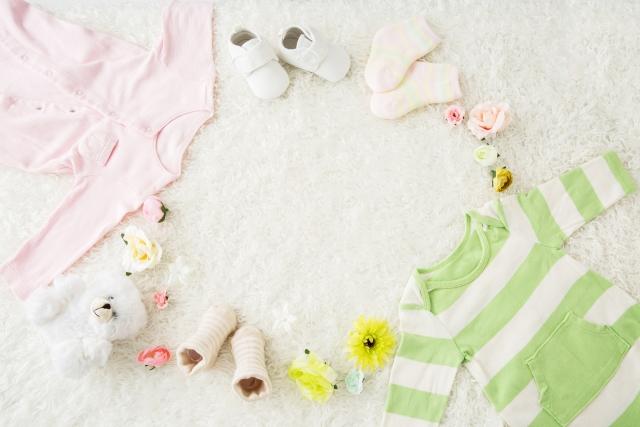 ロンパースと赤ちゃん用品