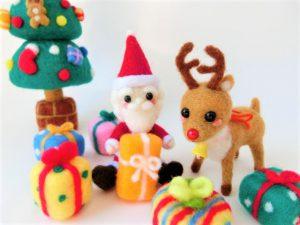 羊毛フェルトのクリスマス人形