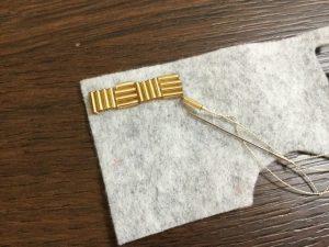 ビーズ刺繍を刺す